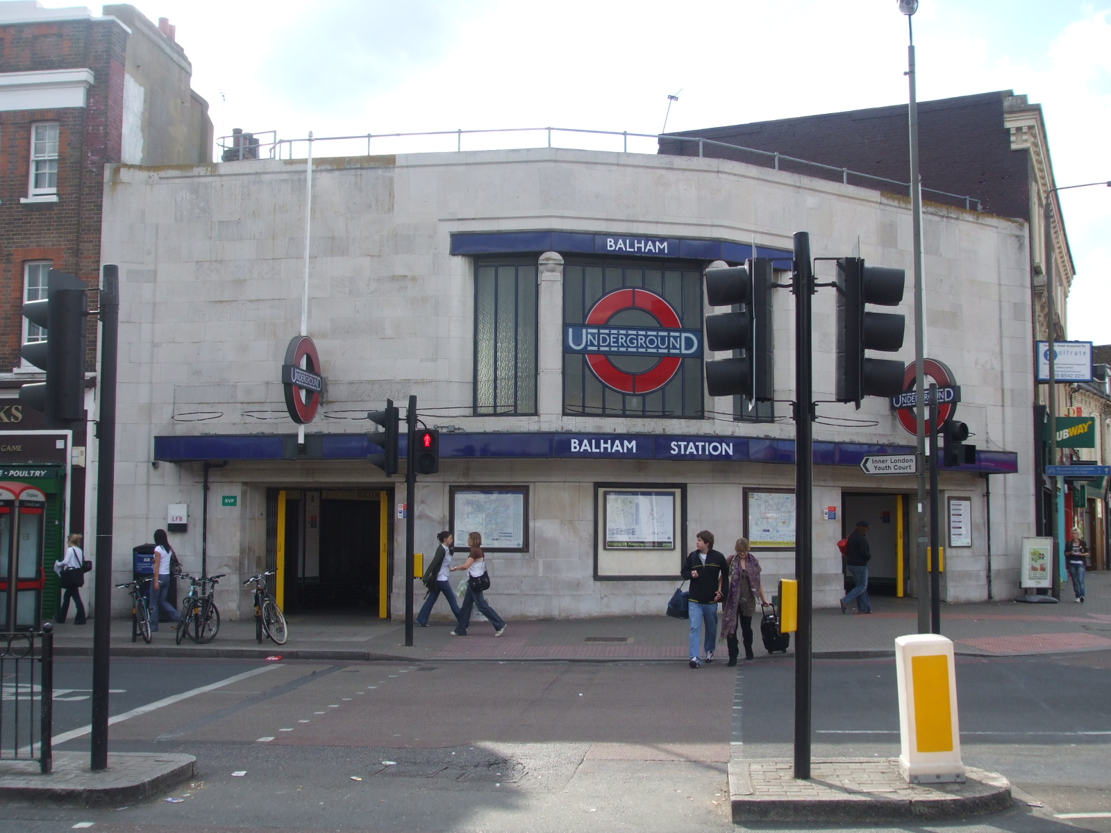 Balham_station_entrance_north_side