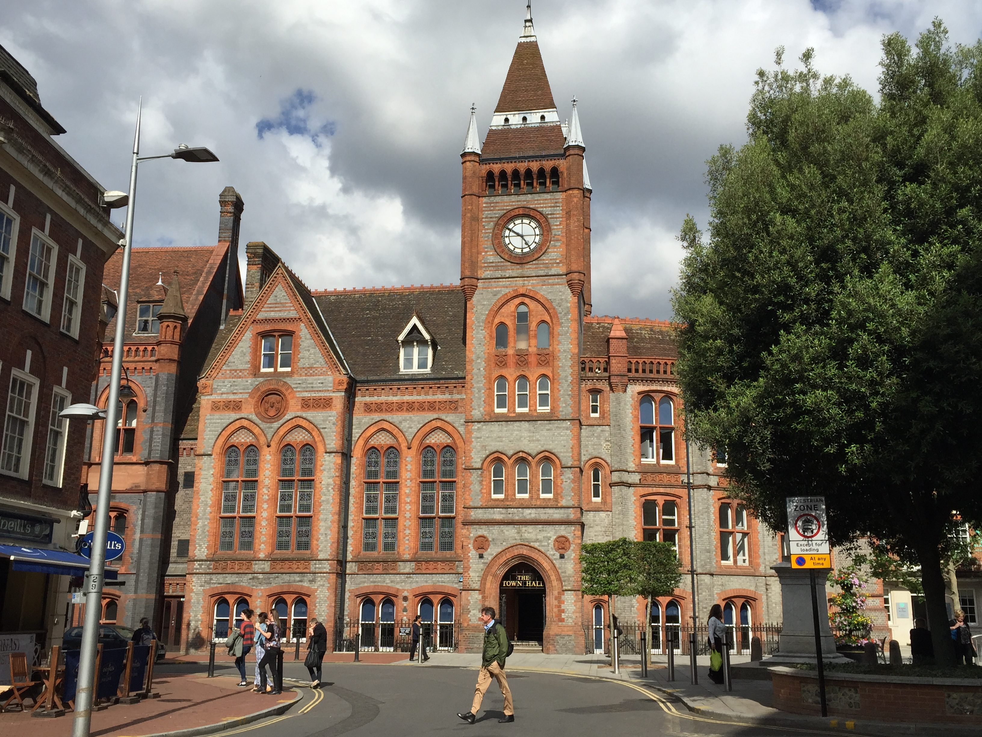 Reading_Town_Hall,_UK_-_20150707