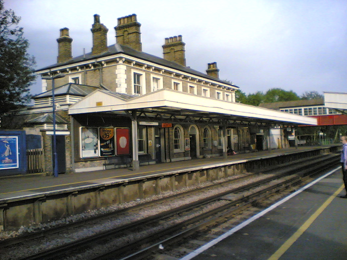 Teddington_Station