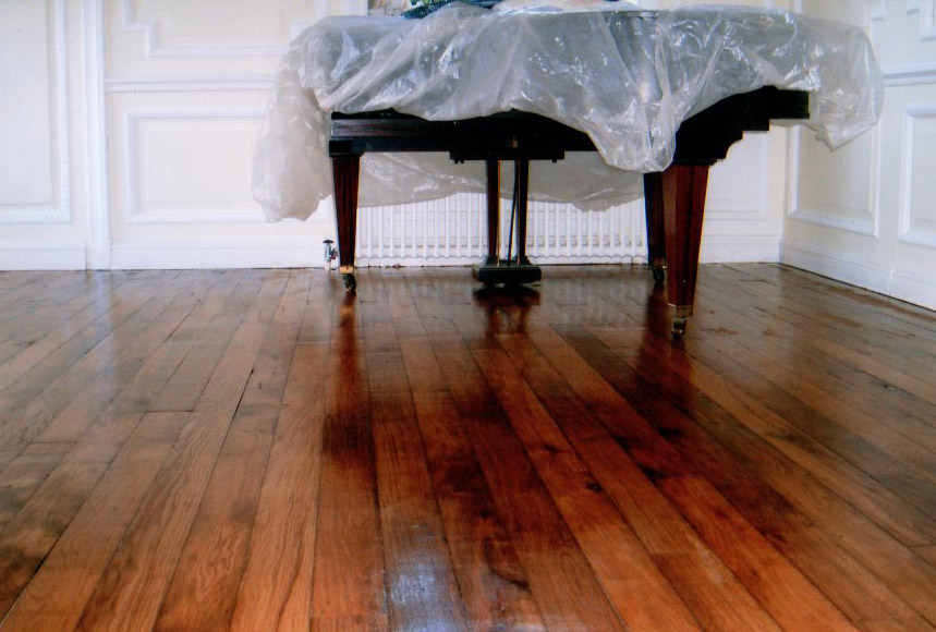 What Are The Best Options For Finishing A Wooden Floor
